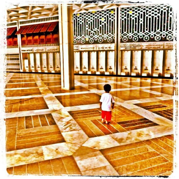 Photos of Little Boys   IslamicArtDB.com