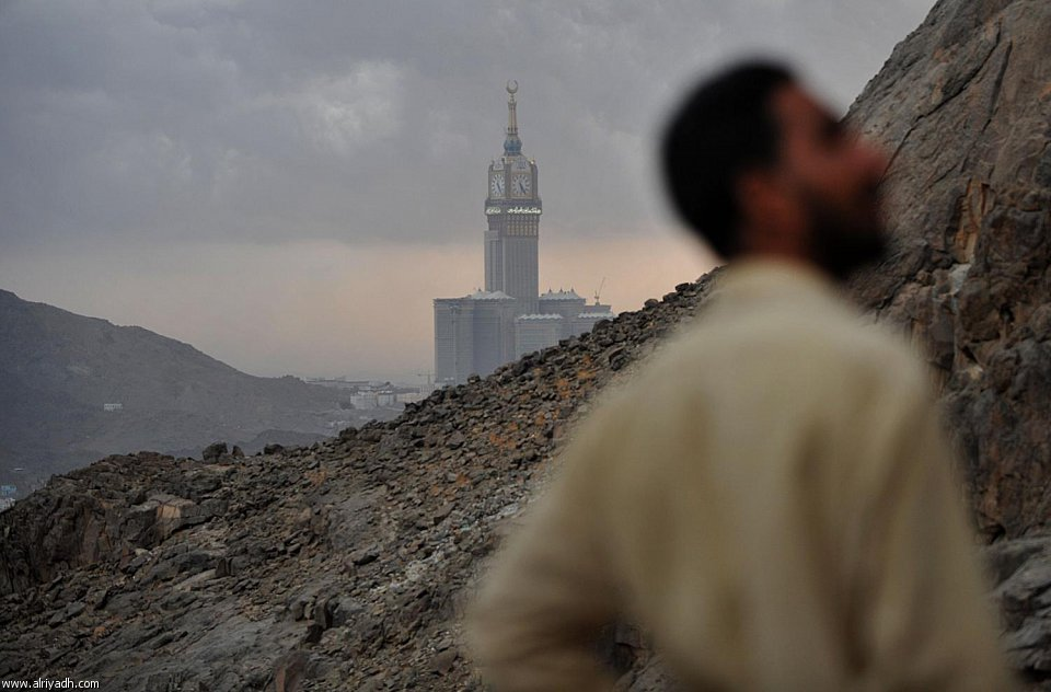 abraj-al-bait-from-makkah-mountains.jpg