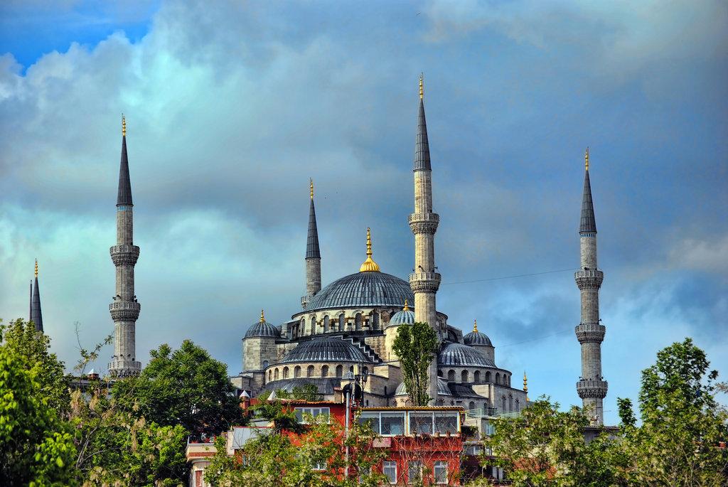 Blue Mosque (Istanbul) -  IslamicArtDB.com